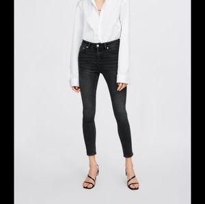 NWT Zara Premium Denim Skinny Jeans Gray 1934/041
